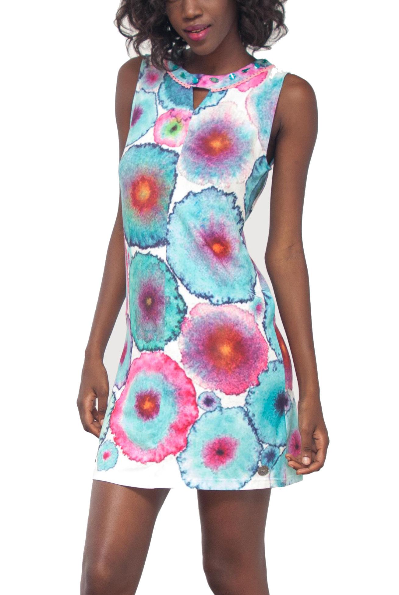 4f1b4c8da041 Buďte nepřehlédnutelná díky originálním letním šatům